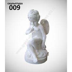 """Скульптура 009 """"Ангел на тумбе со стрелами"""""""